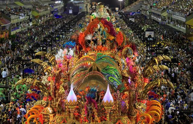 Tưng bừng lễ hội Carnival tại Brazil - Ảnh 1.