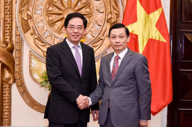 Trao tặng Huân chương Hữu nghị cho Đại sứ nước CHND Trung Hoa Hồng Tiểu Dũng - Ảnh 2.
