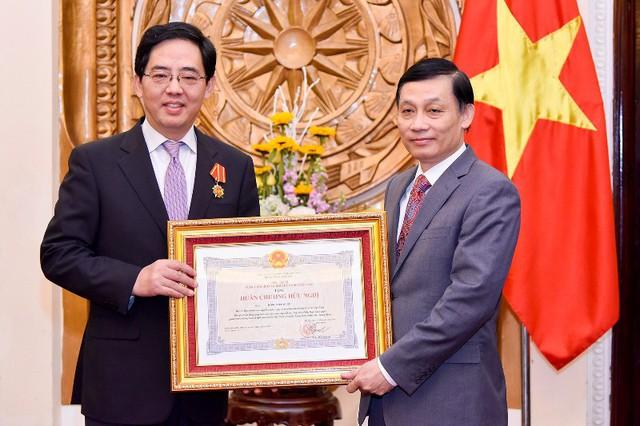 Trao tặng Huân chương Hữu nghị cho Đại sứ nước CHND Trung Hoa Hồng Tiểu Dũng - Ảnh 4.