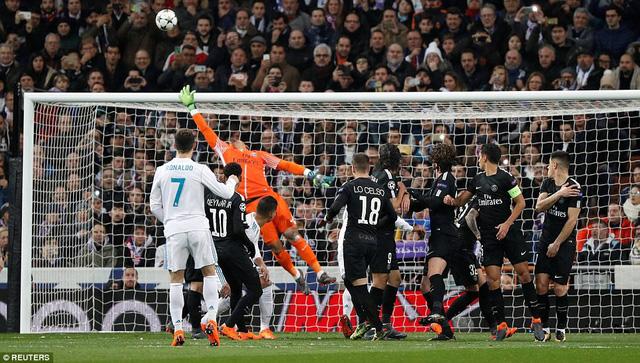 ẢNH: Những khoảnh khắc ấn tượng trong trận Real Madrid ngược dòng thành công trước PSG - Ảnh 5.