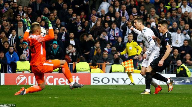 ẢNH: Những khoảnh khắc ấn tượng trong trận Real Madrid ngược dòng thành công trước PSG - Ảnh 6.