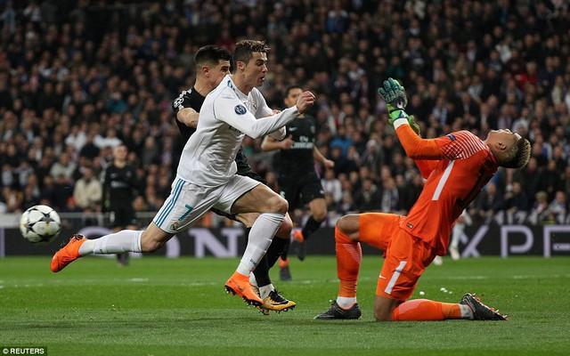 ẢNH: Những khoảnh khắc ấn tượng trong trận Real Madrid ngược dòng thành công trước PSG - Ảnh 7.