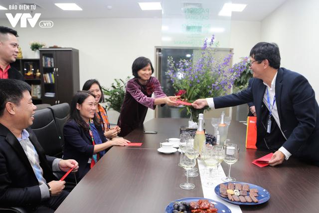 Tổng Giám đốc Trần Bình Minh chúc Tết các đơn vị VTV dịp Năm mới Mậu Tuất 2018 - Ảnh 1.