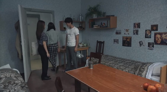 Tình khúc Bạch Dương - Tập 3: Xa người yêu lại còn đẹp trai, Hùng đau đầu vì bị các cô gái tấn công - ảnh 4