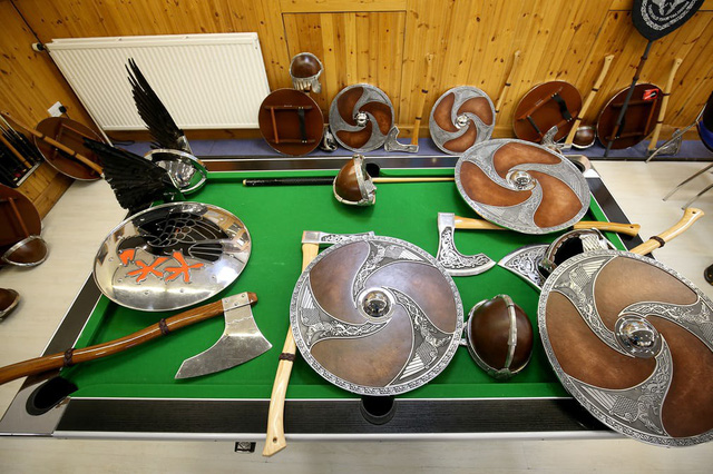 Kỳ thú lễ hội lửa truyền thống tại Scotland - Ảnh 4.