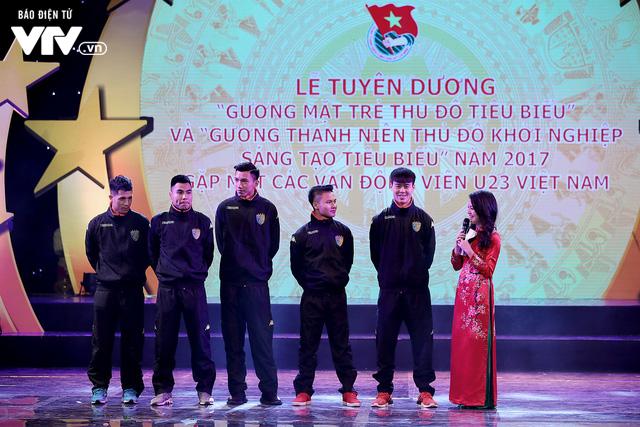 Hà Nội trao biểu tượng Thánh Gióng cho 5 cầu thủ U23 Việt Nam - Ảnh 7.