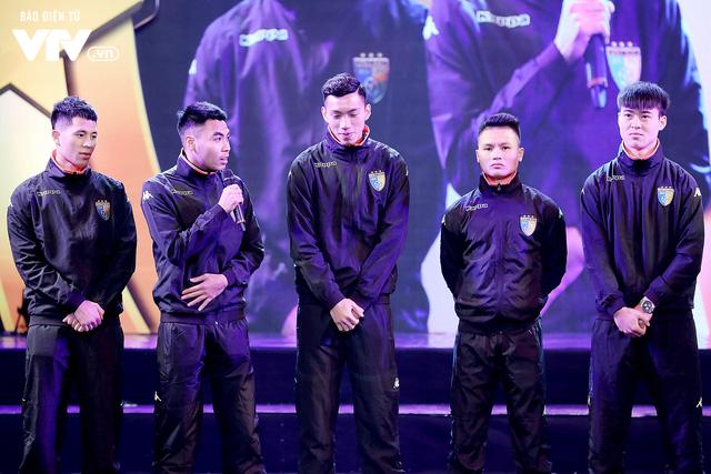 Hà Nội trao biểu tượng Thánh Gióng cho 5 cầu thủ U23 Việt Nam - Ảnh 11.
