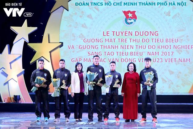 Hà Nội trao biểu tượng Thánh Gióng cho 5 cầu thủ U23 Việt Nam - Ảnh 6.