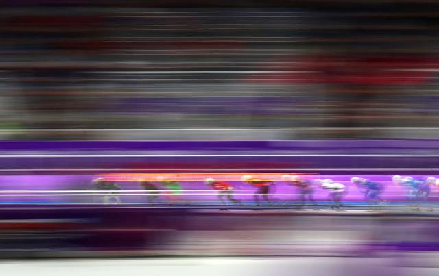 Olympic PyeongChang 2018: Những khoảnh khắc ấn tượng trong ngày thi đấu thứ 15 - Ảnh 1.