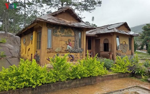 Thăm ngôi nhà đất sét độc nhất vô nhị ở Đà Lạt - Ảnh 2.