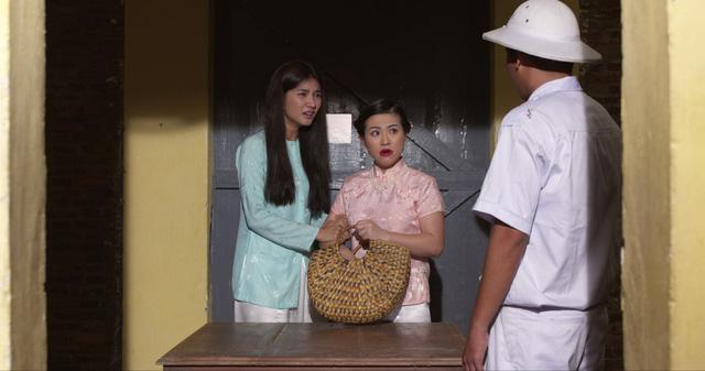 Phim Mộng phù hoa - Tập 9: Ba Trang bàng hoàng khi biết phải kiếm tiền trả nợ bằng cách nằm ngửa - Ảnh 2.