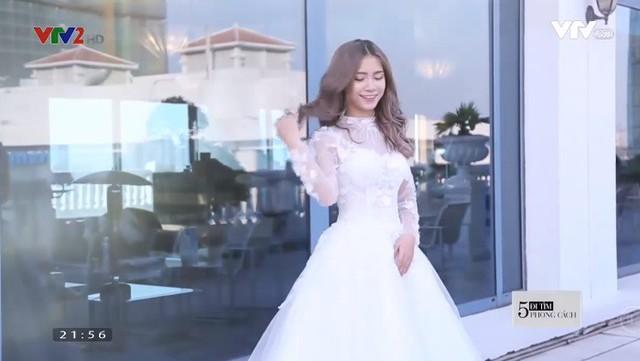 Xu hướng váy cưới 2018: Cổ cao, ống tay dài? - Ảnh 1.