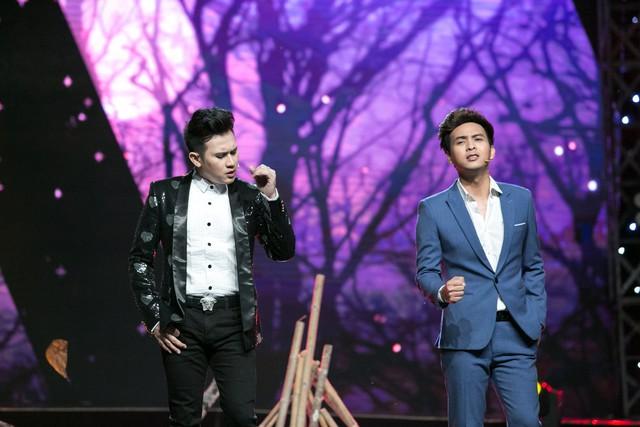 Âm nhạc và Bước nhảy: Nguyên Vũ cháy hết mình tại mini show kỉ niệm 25 năm ca hát - Ảnh 4.