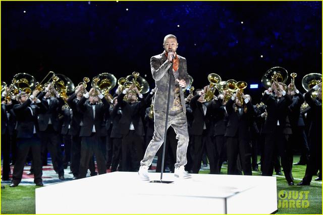 Justin Timberlake làm rung chuyển Super Bowl Halftime Show 2018 với loạt hit đình đám - Ảnh 2.
