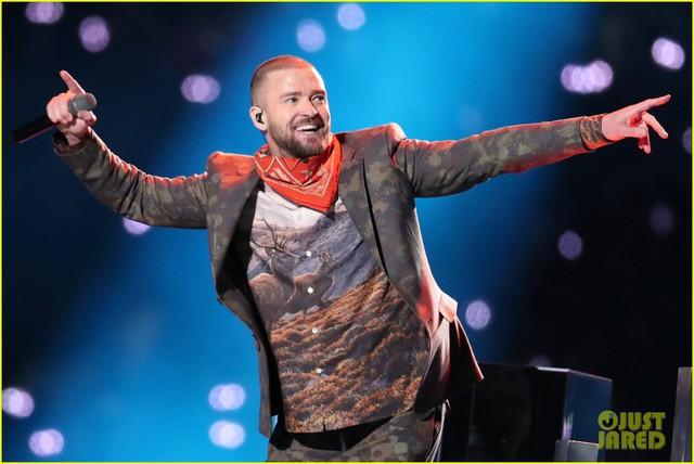 Justin Timberlake làm rung chuyển Super Bowl Halftime Show 2018 với loạt hit đình đám - Ảnh 9.