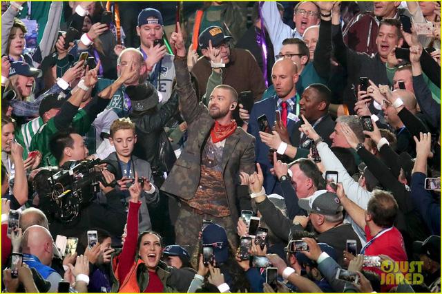 Justin Timberlake làm rung chuyển Super Bowl Halftime Show 2018 với loạt hit đình đám - Ảnh 11.