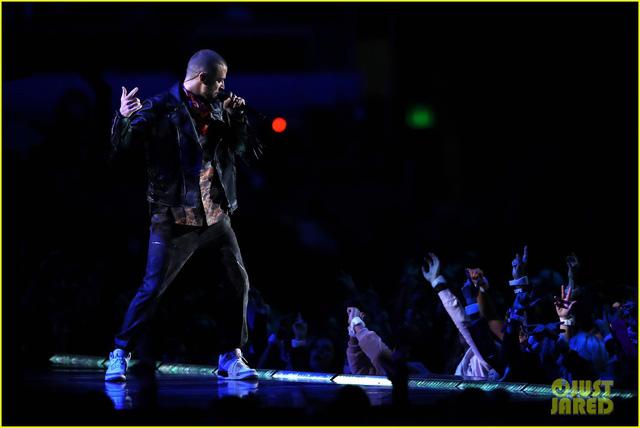 Justin Timberlake làm rung chuyển Super Bowl Halftime Show 2018 với loạt hit đình đám - Ảnh 10.