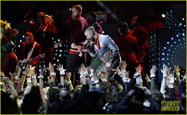 Justin Timberlake làm rung chuyển Super Bowl Halftime Show 2018 với loạt hit đình đám - Ảnh 17.
