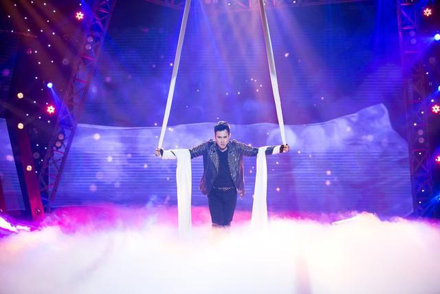 Âm nhạc và Bước nhảy: Nguyên Vũ cháy hết mình tại mini show kỉ niệm 25 năm ca hát - Ảnh 3.