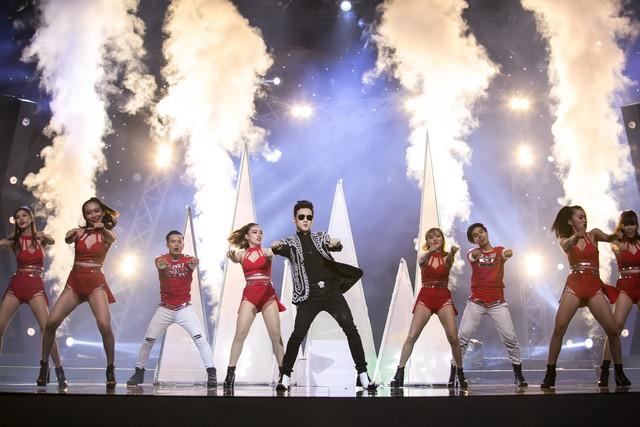 Âm nhạc và Bước nhảy: Nguyên Vũ cháy hết mình tại mini show kỉ niệm 25 năm ca hát - Ảnh 2.