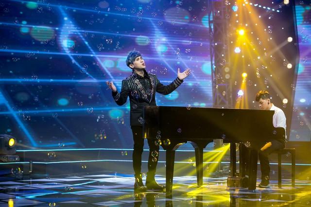 Âm nhạc và Bước nhảy: Nguyên Vũ cháy hết mình tại mini show kỉ niệm 25 năm ca hát - Ảnh 1.