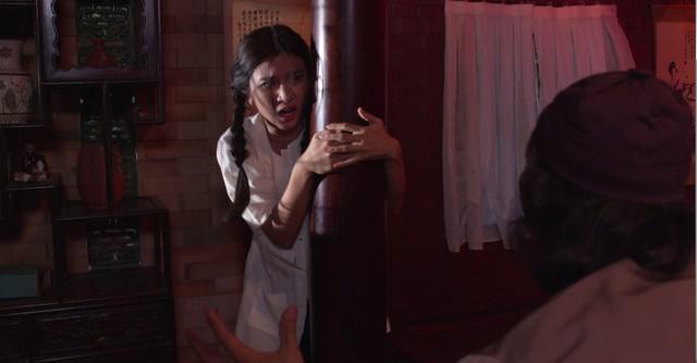 Phim Mộng phù hoa - Tập 3: Ba Trang (Kim Tuyến) tiếp tục bị cha dượng giở trò - Ảnh 1.