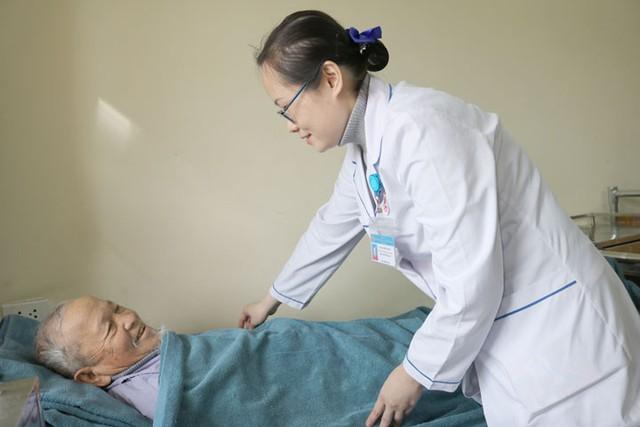 Quảng Ninh: Chủ động phòng chống rét cho người bệnh và người nhà bệnh nhân - Ảnh 1.