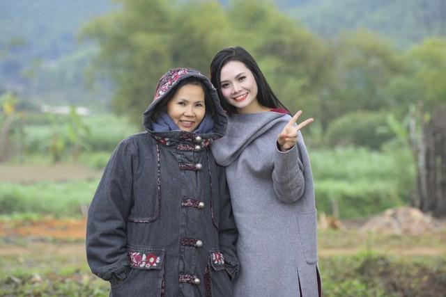 """NSND Lan Hương, ca sĩ Lương Nguyệt Anh, Bảo """"ngậu"""" chịu lạnh 8 độ quay MV - Ảnh 6."""