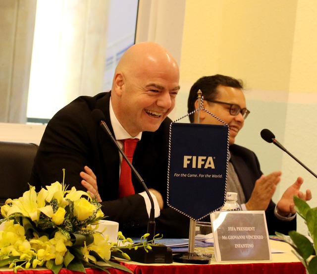 Ảnh: Chủ tịch FIFA Gianni Infantino trong chuyến thăm và làm việc tại Việt Nam - Ảnh 8.