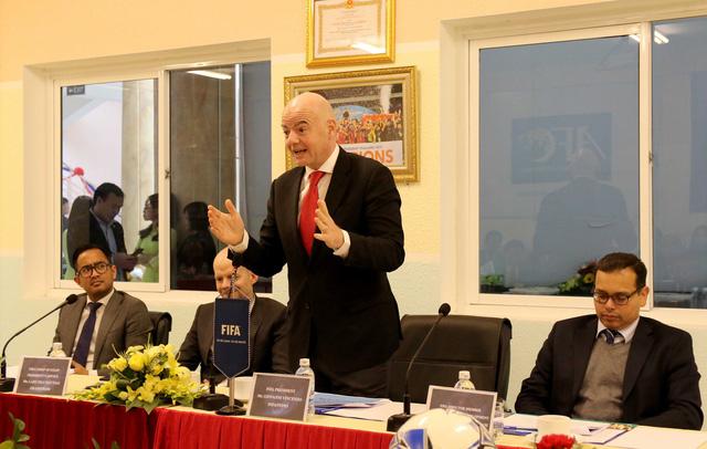 Ảnh: Chủ tịch FIFA Gianni Infantino trong chuyến thăm và làm việc tại Việt Nam - Ảnh 10.
