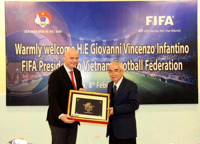 Ảnh: Chủ tịch FIFA Gianni Infantino trong chuyến thăm và làm việc tại Việt Nam - Ảnh 6.