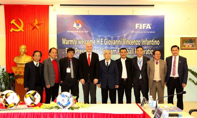 Ảnh: Chủ tịch FIFA Gianni Infantino trong chuyến thăm và làm việc tại Việt Nam - Ảnh 7.