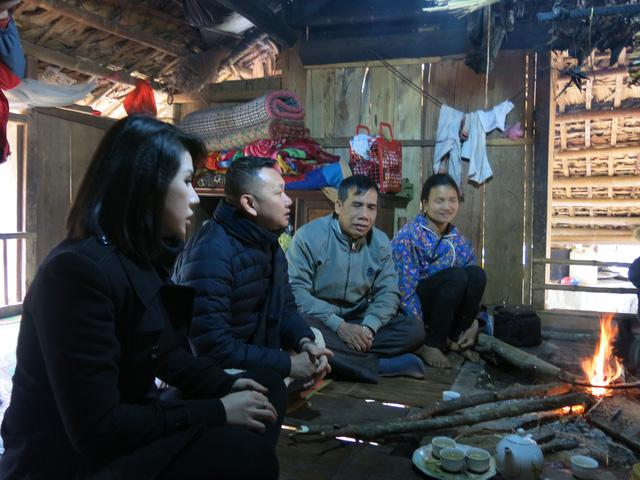 Mang Tết về với các hộ gia đình vùng lũ xã Giáp Đắt - Ảnh 21.