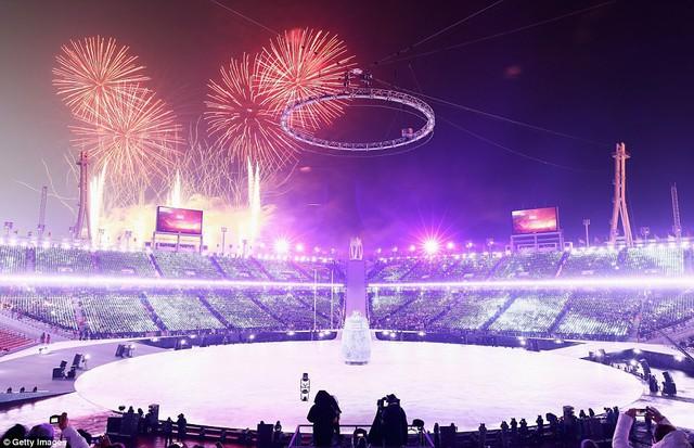ẢNH: Lễ khai mạc đầy màu sắc của Olympic Pyeongchang 2018 - Ảnh 1.
