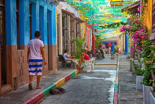 Tuyệt đẹp các đường phố trên thế giới qua ống kính máy ảnh - Ảnh 3.