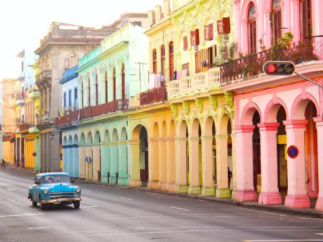 Tuyệt đẹp các đường phố trên thế giới qua ống kính máy ảnh - Ảnh 1.