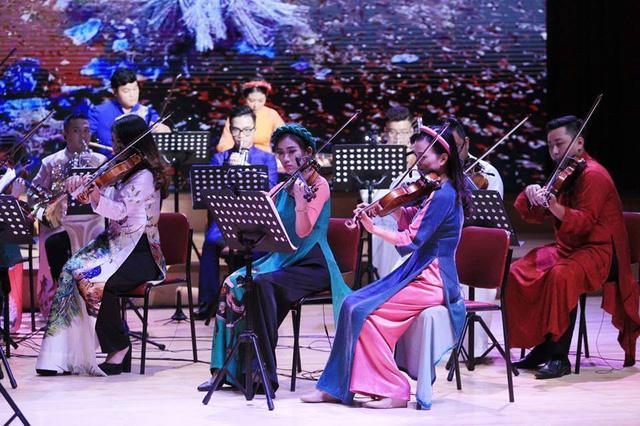 Chào năm mới cùng dàn nhạc Maius Philharmonic tại Bữa trưa vui vẻ - Ảnh 1.