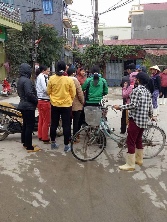 Chìm thuyền ở Thanh Hóa, 8 ngư dân mất tích - Ảnh 2.