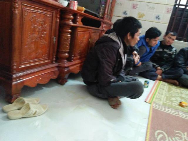 Chìm thuyền ở Thanh Hóa, 8 ngư dân mất tích - Ảnh 1.