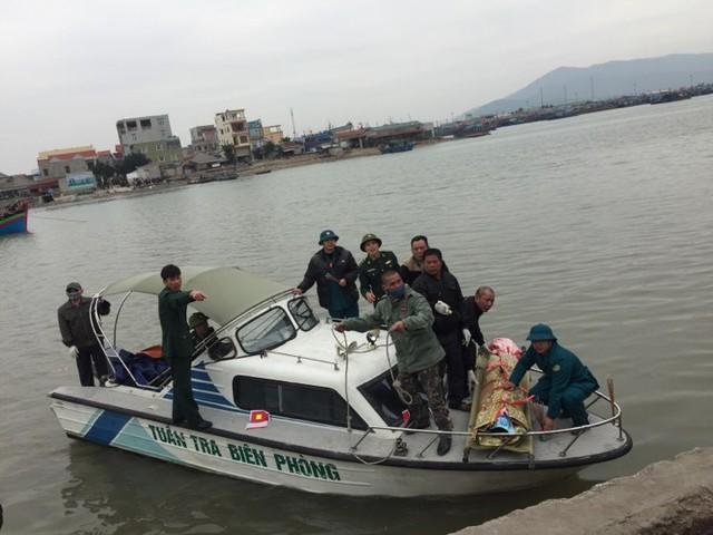 Tìm thấy 1 trong 8 ngư dân mất tích trong vụ chìm thuyền ở Thanh Hóa - Ảnh 2.