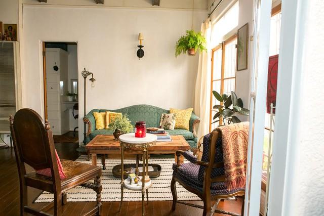 Tạo điểm nhấn cho căn nhà 50 m2 bằng nét cổ điển nhẹ nhàng - Ảnh 3.