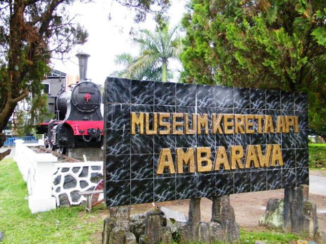 Độc đáo bảo tàng xe lửa cổ nhất ASEAN - Ảnh 1.