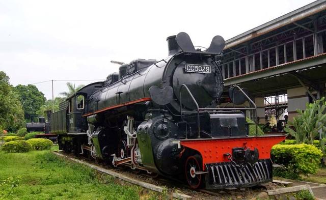 Độc đáo bảo tàng xe lửa cổ nhất ASEAN - Ảnh 3.
