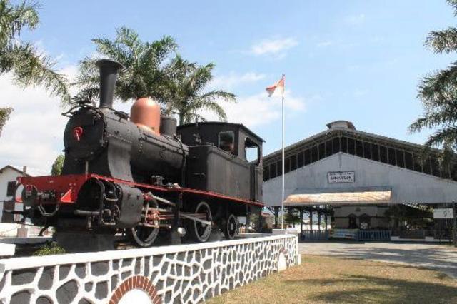 Độc đáo bảo tàng xe lửa cổ nhất ASEAN - Ảnh 2.