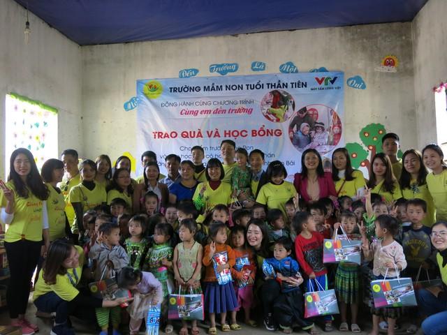 Hỗ trợ xây công trình phụ cho học sinh Mầm non Khe Ron - Ảnh 12.