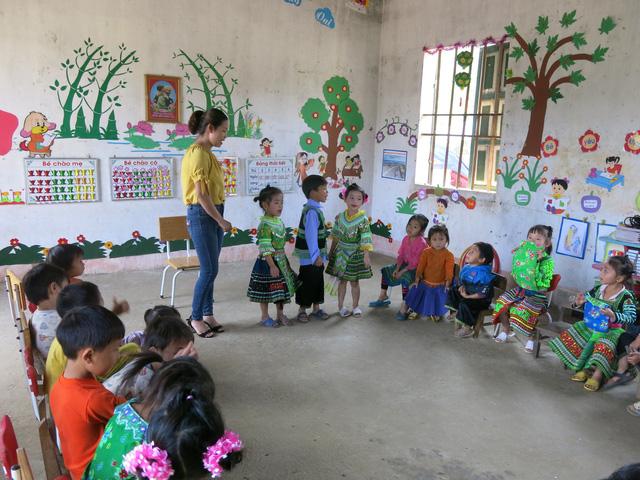 Hỗ trợ xây công trình phụ cho học sinh Mầm non Khe Ron - Ảnh 13.