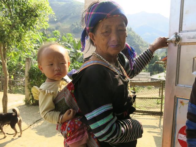 Hỗ trợ xây công trình phụ cho học sinh Mầm non Khe Ron - Ảnh 14.