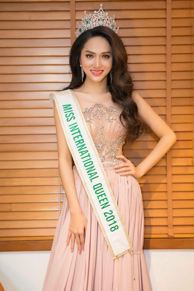 Hành trình thay đổi nhan sắc đáng kinh ngạc của Hoa hậu Hương Giang - Ảnh 5.
