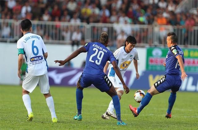 Những điểm nhấn vòng 1 Nuti Café V.League 2018: Vòng đấu của những sự trở lại - Ảnh 1.