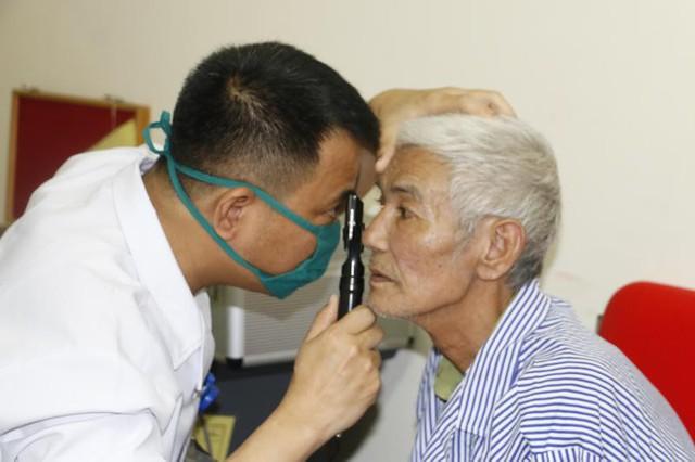 Hơn 11 triệu người bị mù mắt do bệnh glôcôm - Ảnh 1.